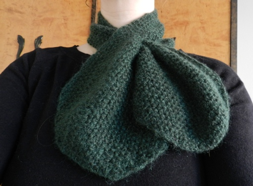 A knitted keyhole scarf from 1948