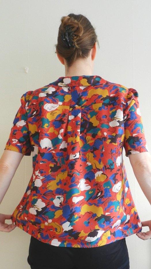 blouseback01